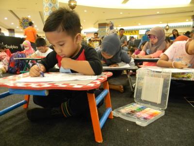 """Mahasiswa STIE YAPAN Menyelenggarakan Kegiatan Lomba Menggambar dan Mewarnai """"Kids Imagination"""""""