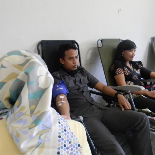 Mahasiswa STIE YAPAN dan PMI Menggelar Kegiatan Donor Darah 2018