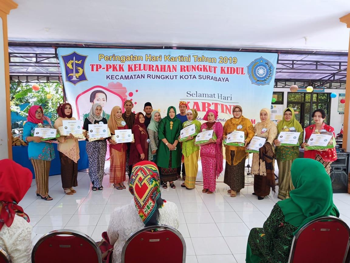 Kegiatan KKN Mahasiswa STIE YAPAN Tahun Akademik 2018/2019 di Kecamatan Rungkut
