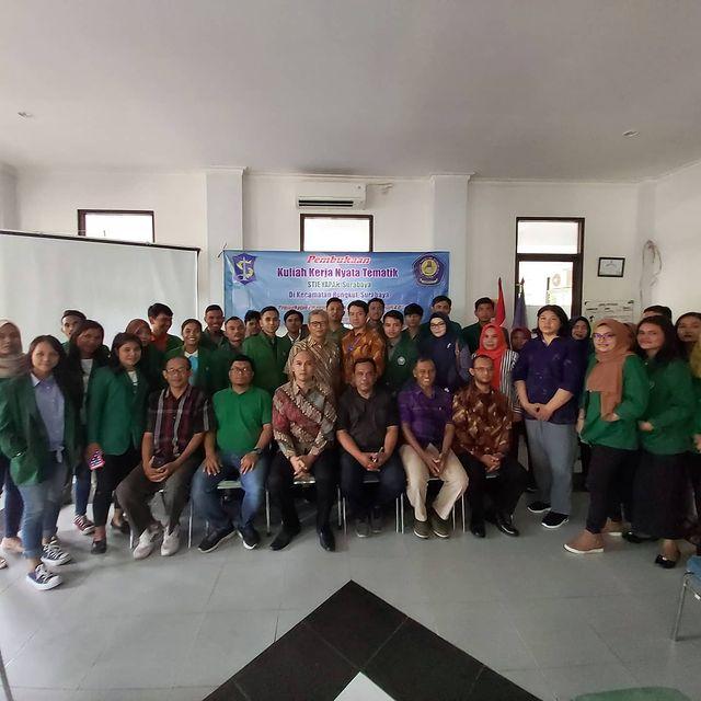 KKN Mahasiswa STIE YAPAN di Kecamatan Rungkut